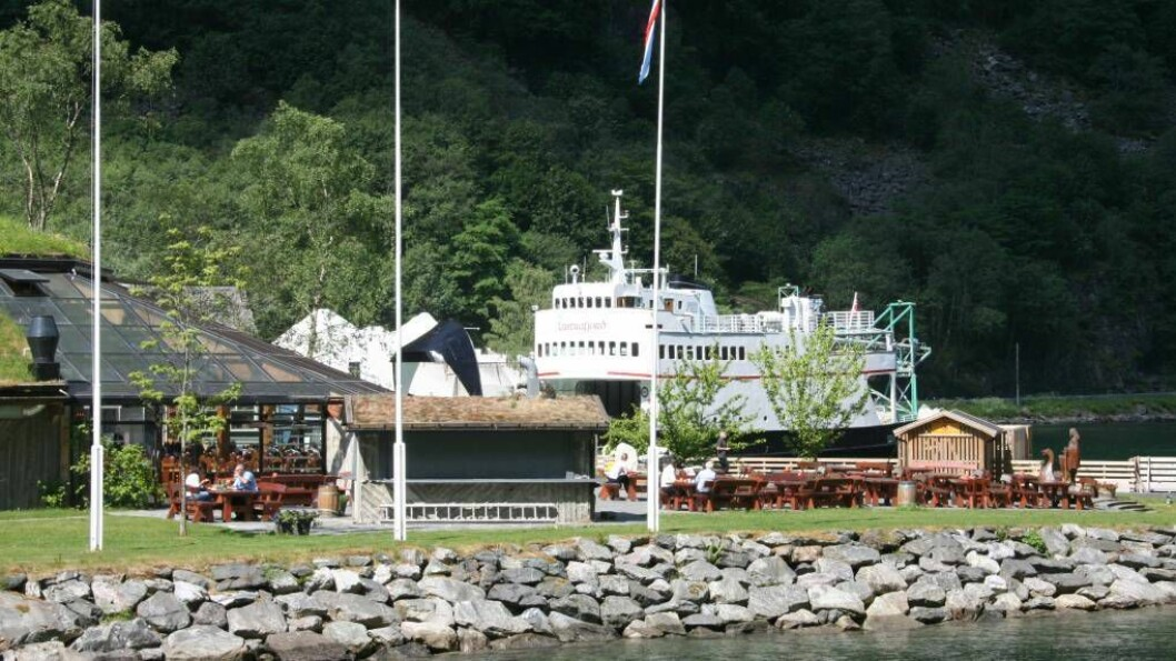 TRANGT OM PLASSEN: Både Fjord2 og The Fjords ønskjer å nytte seg av ferjekaien i Gudvangen på kveldstid, noko som skapar ein kaifloke. Illustrasjonsfoto: Arne Veum.
