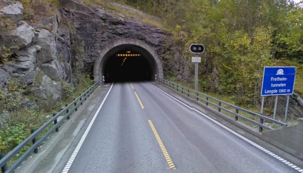 STENGD: Tunnelen er mellombels stengd.