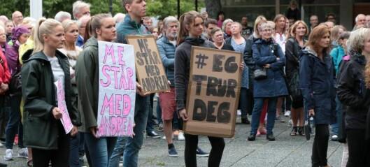 Over 300 demonstrerte for kvinner sin rettstryggleik