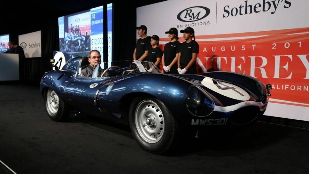 REKORDBIL: Aldri før har ein bil frå England blitt selt for ein høgare sum enn denne Jaguar D-type frå 1956. FOTO: RM Sotheby's.
