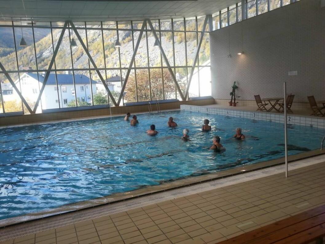 OPE ATT: Bassenget i Årdalshallen er klar til å ta imot nye badegjester.