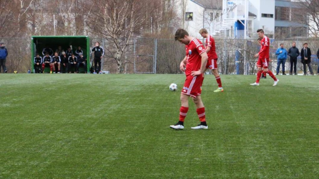 FOR SEINT UTE: Årdal Fotballklubb var for seint ute med å melde på eit eige andrelag i 5. divisjon og eit eige gutelag for denne sesongen. Dermed fortset samarbeidet med Jotun og ÅTIL, om samarbeidslaget i 5. divisjon.