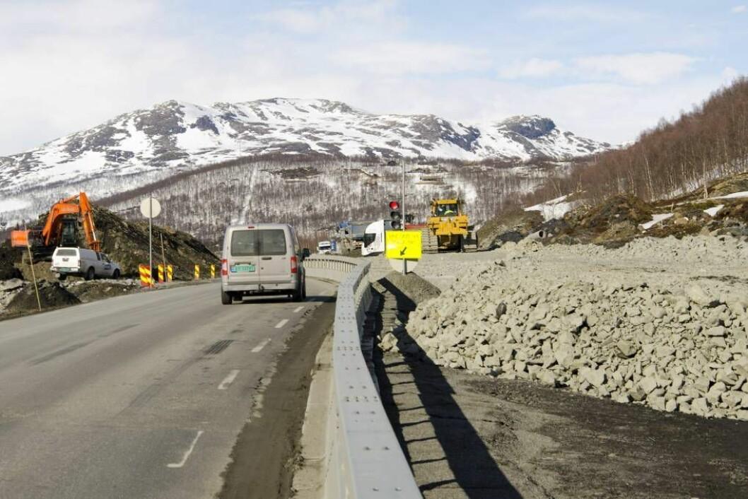 Ved Smedalsosen på Filefjell, bilete er tatt 29. april 2015. Foto:Statens vegvesen/Ole Kristian Åset