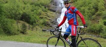 Eirik (16) trenar 15 timar i veka på sykkel
