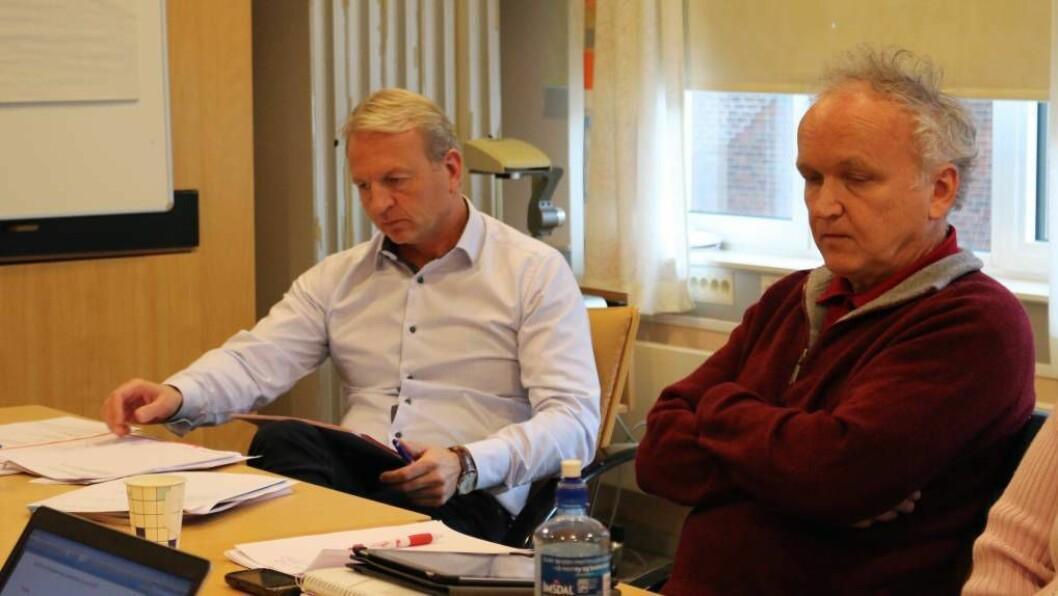 SEIER JA: John Normann Melheim (Ap) (til høgre) var ein av dei som røysta for tilrådinga frå rådmann Frank Westad. Foto: Truls Grane Sylvarnes.