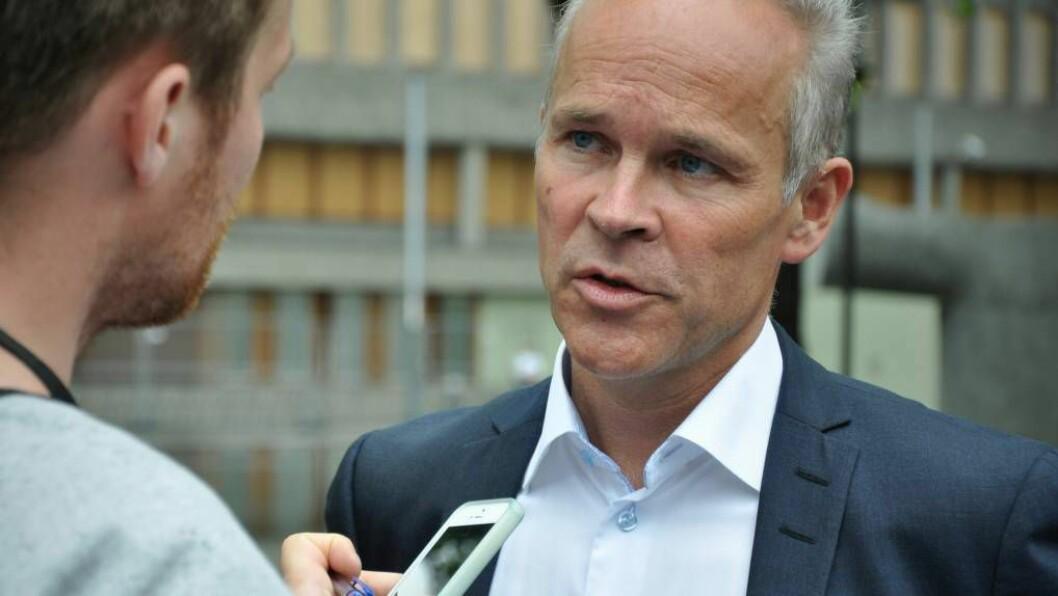 KUTTAR STØTTE: Kommunal- og moderniseringsminister Jan Tore Sanner (H) foreslår å endre inntektssystemet for kommunane og vil kutte i støtta til kommunar som frivillig er små.Foto: Kommunal- og moderniseringsdepartementet/Flickr.