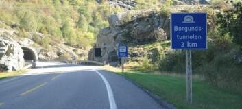 Lastebil røykla tunnel