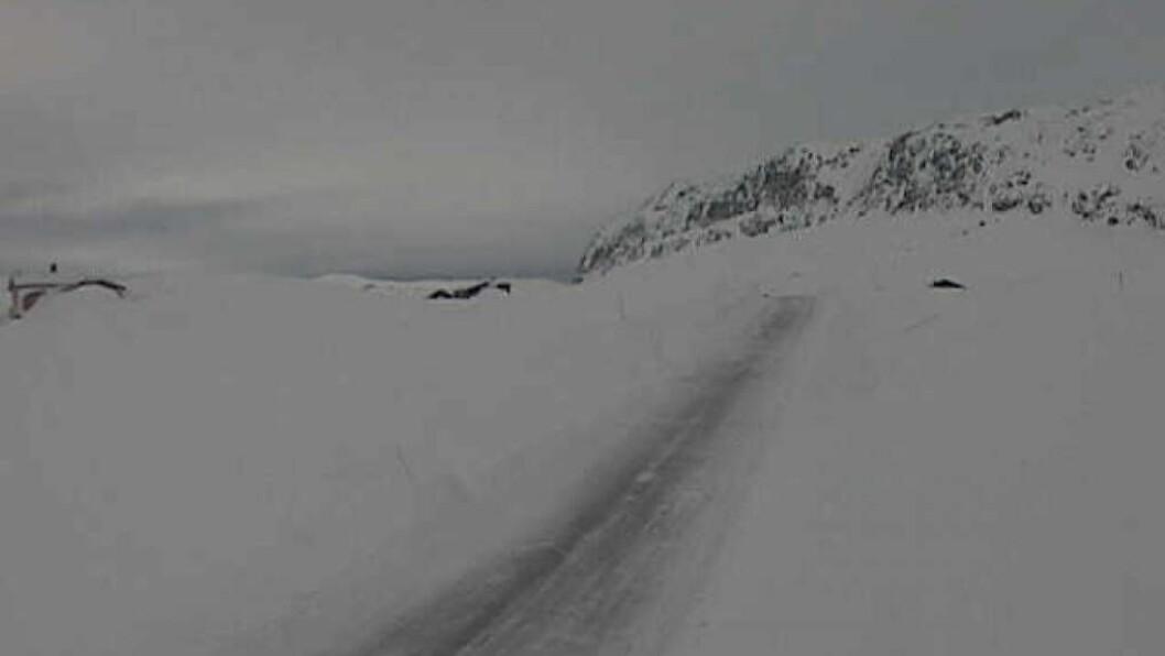 OPE: Som siste fjellovergang i rekkja opna fv. 53 Årdal-Tyin klokka 1630 tysdag ettermiddag. Arkivfoto
