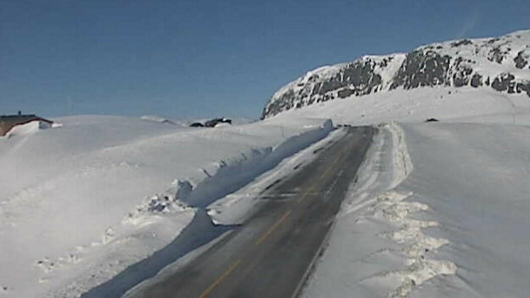 WEBKAMERA: Slik ser det ut langs fylkesveg53 ved Tyinosen onsdag morgon. Foto: Statens vegvesen.