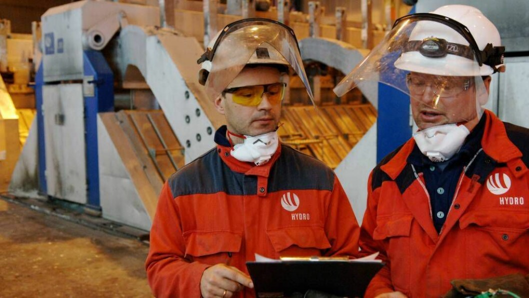 STUDIETUR: På søndag ein gjeng studentar frå NTNU på besøk til Hydro for å læra meir om kva bedrifta driver med. Foto: Norsk Hydro ASA.