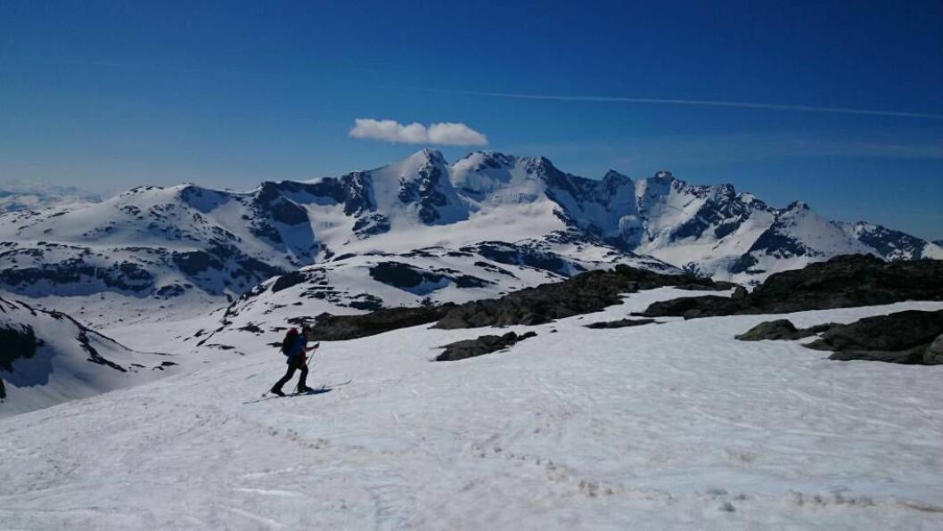 VARSAM: Dersom du har tenkt å ferdast i fjellet framover, bør du tenkjer over kvar du går og følgje med på skredvarslinga.