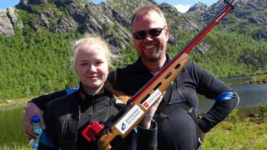 TIL TOPPS: Sara Vie og Glenn Arne Vie kan begge kalle seg landsdelskrinsmeister etter stevnet i Ålfoten i helga. Foto: Privat.