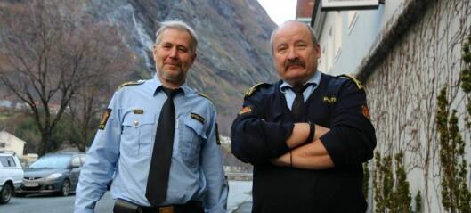 Politidirektøren held på nedlegging av lensmannskontora i Årdal og Aurland