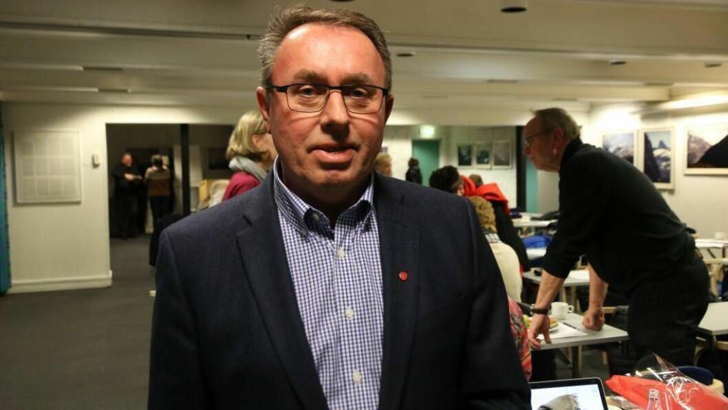 JOBBAR MED Å FÅ PÅ PLASS BÅTSKYSS: Årdal-ordførar Arild Ingar Lægreid er i dialog med Fylkeskommunen for å få på plass båtskyss til Årdalstangen frå og med måndag. Arkivfoto.