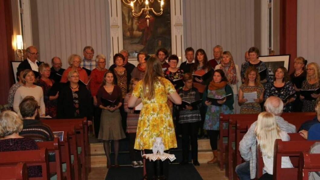 JULEKONSERT: Denne helga helg Lærdal Songkor julekonsert i Hauge kyrkje. Foto: Privat.
