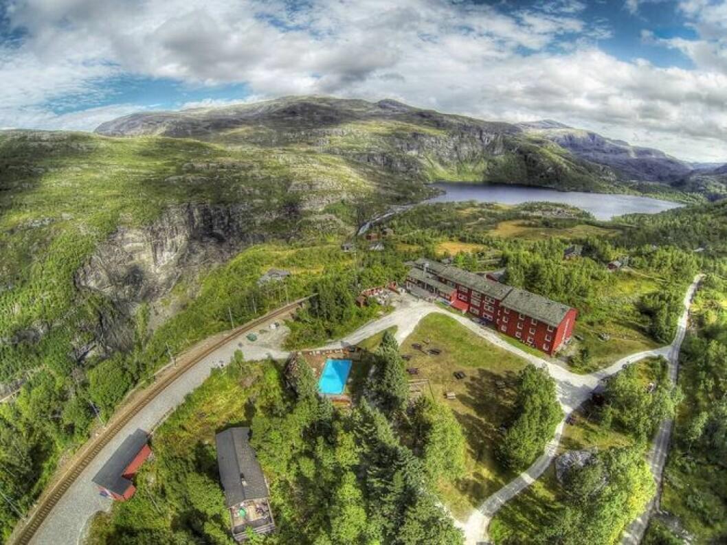 HIT: Flåmsdalenløpet, som går av stabelen første helga i juni, endar her ved Vatnahalsen hotell etter 820 høgdemeter og 21 kilometer. Arkivfoto