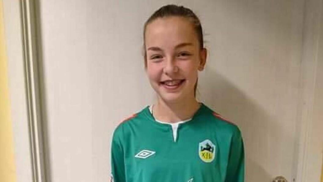 FÅR TESTA SEG: Ingrid Lovise Jåstad, då 14 år gamal, kom til Kaupanger frå Hafslo på tampen av fjoråret. Debuten fekk ho i serieopninga mot Fana i år. No nærmar ho seg landslagsspel. Foto: arkiv.