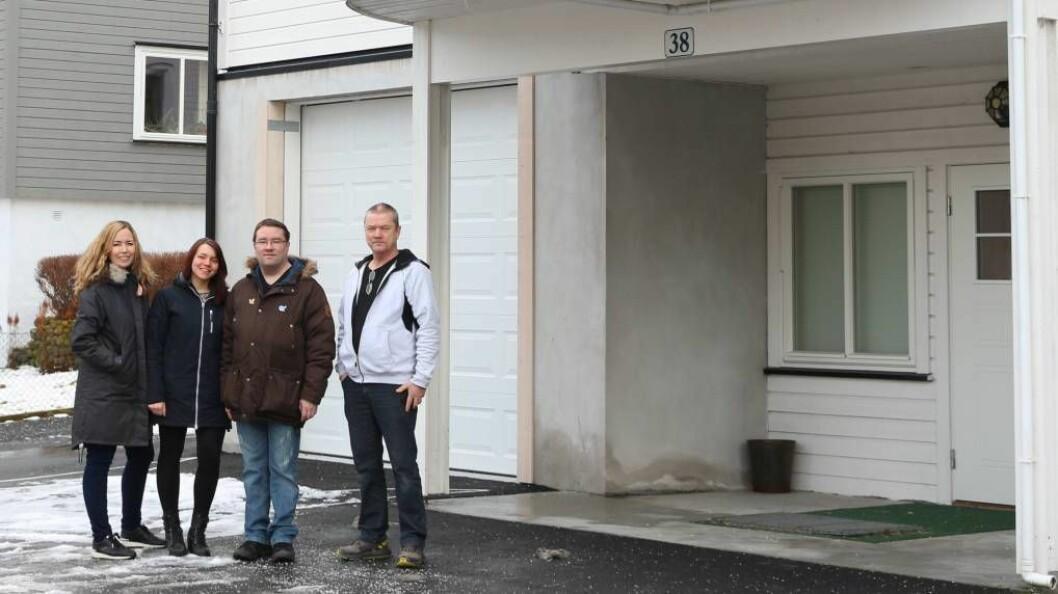 ØNSKJER SEG FLYKTNINGGUIDAR: Frå venstre:Turid Stigen Sørensen (Flyktningtenesta i Aurland og Lærdal) Linn-Janette Underdal Skarsbø (Flyktningtenesta i Aurland), Bjørn Skalle (Ansvarleg for flyktning guide-Lærdal Røde Kors), Steinar Grønsberg (Aurland Røde Kors). Gerd Stave (ansvarleg for flyktning guide-Aurland Røde Kors var ikkje til stades). Foto: NAV si flyktningteneste