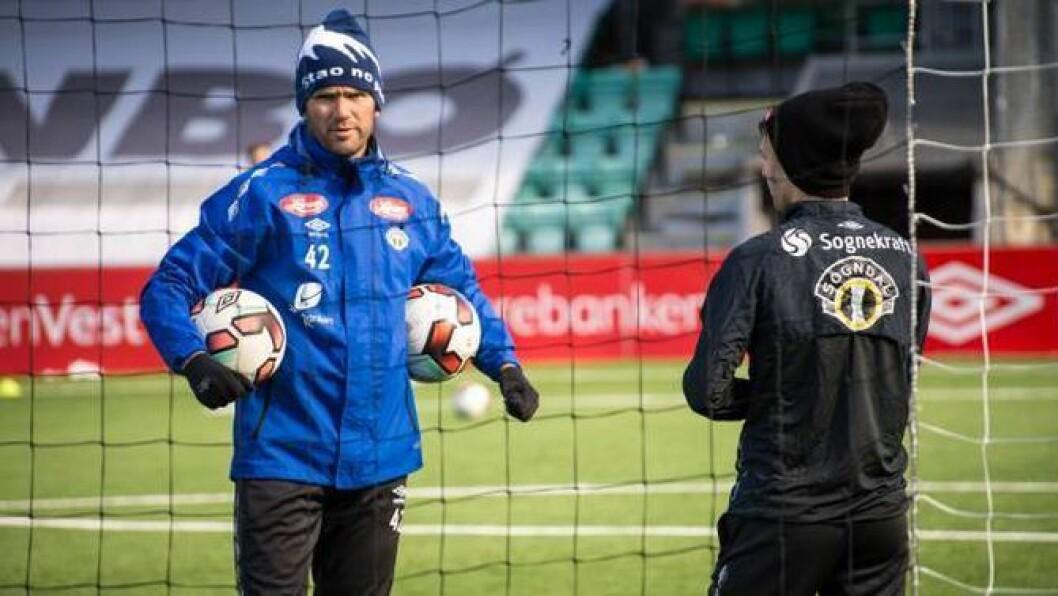 MOTIVERT: Trenar Eirik Bakke trur at Sogndal har gode år i vente med ein talentfull tropp.