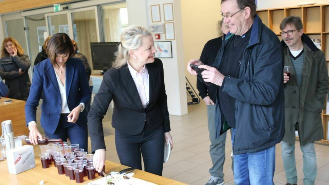 FEIRING: Helene Maristuen har og har hatt fleire rollar innanfor reiselivet i Lærdal og regionen - ho fekk æra av å spretta på