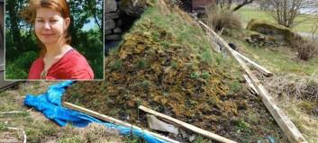 Ho er fortvila over forfallet på det historiske bygdetunet i Aurland