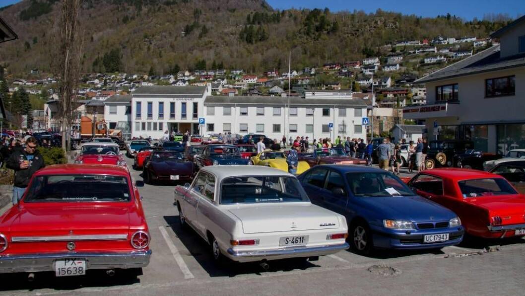 IMPORT OG EKSPORT: Eit nytt selskapt i Sogndal skal hjelpa folk å importera og eksportera bilar. Illustrasjonsfoto frå Vaormønstringa 2017.