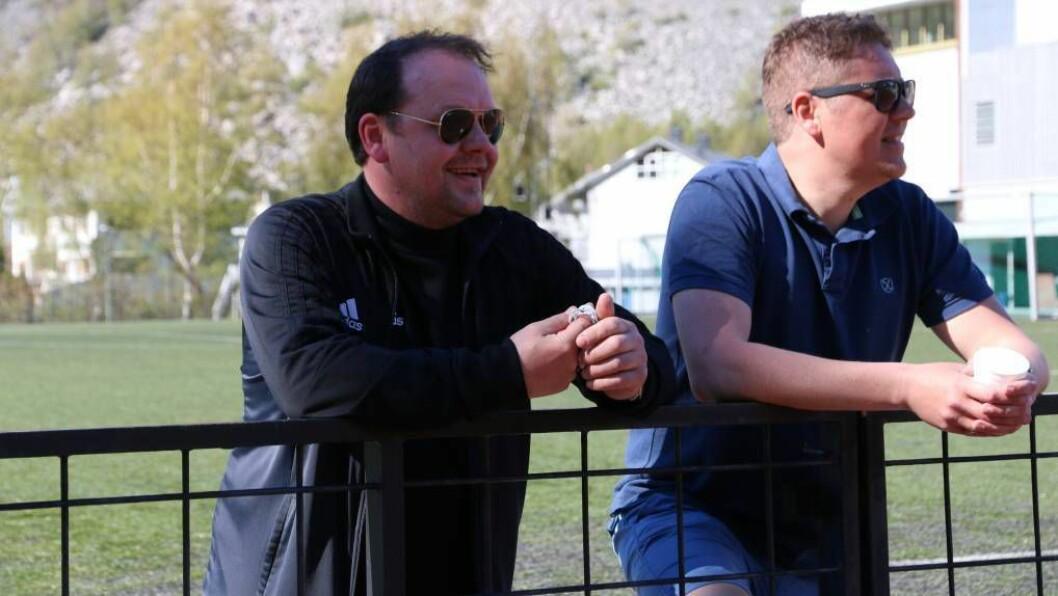 UTVIST: Årdal trenar Ivan Øy måtte sjå den siste halvtimen av kampen i frå sidelinja. Foto: Truls Grane Sylvarnes.