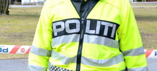 Mann i 30-åra teke for vald i Årdal - frakta til arresten i Bergen