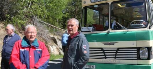 Den eine bygde vegen med spade og grafse, den andre køyrde buss frå starten av