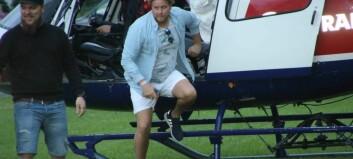 Partykongen kom til Lærdal i helikopter