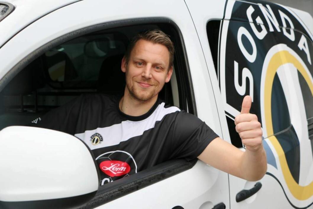 FULL KONTROLL: Tommy Øren er turneringssjef for Lerum Cup for andre året. Foto: Sogndal Fotball.