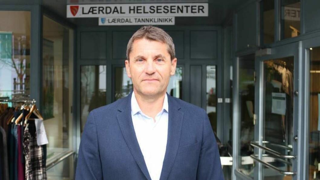 PÅ FLYTTEFOT: Etter berre halvanna år som rådmann i Lærdal, flyttar Arne Johansen nordover og til ny jobb.