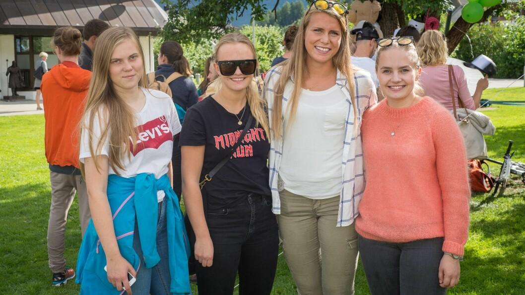 NY START: Andrea Dahl, Marte Nord, Mari Raaen og Karoline Lystrup er alle førsteårsstudentar på Høgskulen i Sogndal.