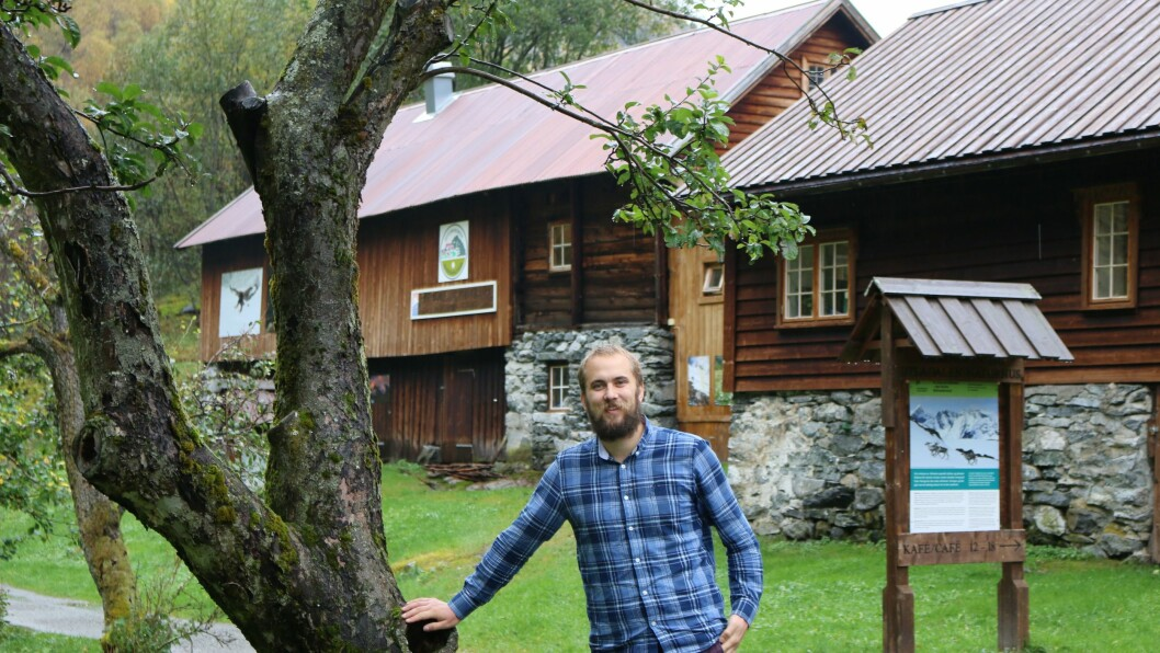 ARBEIDSLEIAR PÅ HEILTID: Åsmund Nordgulen har vore arbeidsleiar for Utladalen Naturhus dei to siste åra. No har politikarane opna for at han kan ha stillinga på heiltid.