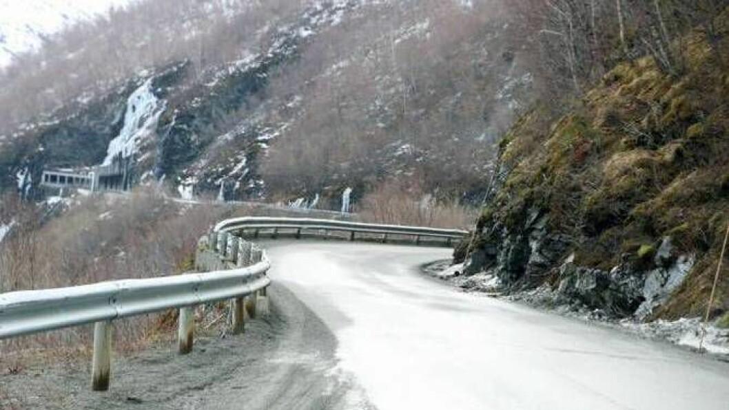 FÅR TUNNEL: Ein tunnel forbi den rasutsette vegen i Ljåteli over Øvre Årdal blir ein realitet. Foto: arkiv.