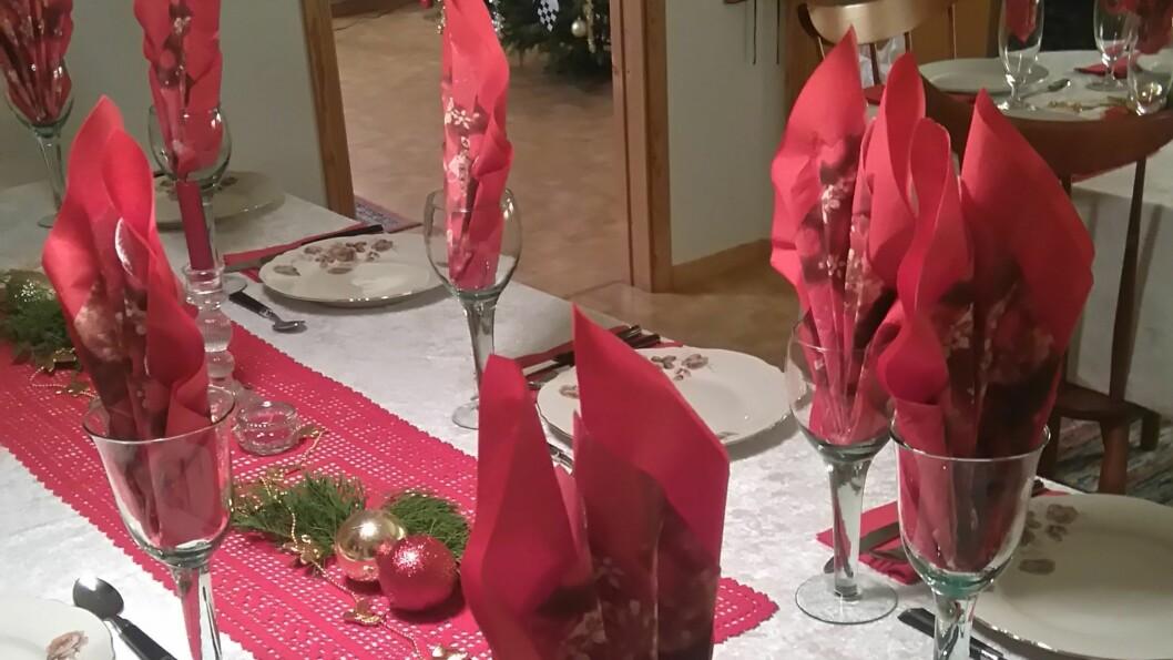 FELLES JUL: Totalt møtte 20 personar til open felles julaftanfeiring i regi av kyrkja i Sogndal