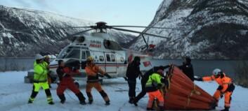 Posen rauk i ein saum, helikopteret måtte ta pause