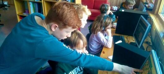 Her lærer elevar i Luster datakoding på skulen