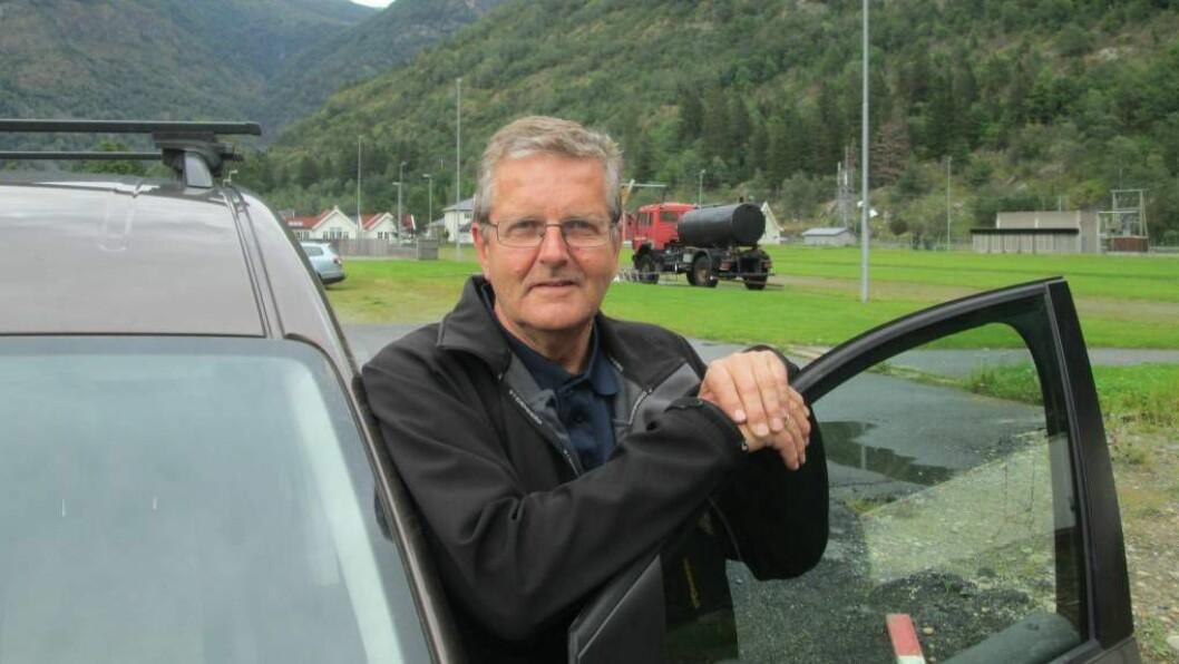 TRADISJON: Jarle Offerdal viser til at Lærdal har lange tradisjonar både med skyttarlag og skytebaner. Det er den eine grunnen til at han meiner det må vera ei utandørs skytebane i kommunen. I tillegg trur han det går ut over rekrutteringa dersom ein lyt fara til Aurland for å skyta på bane.