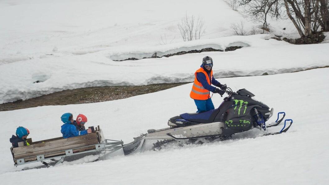 STRENG: Sogndal kommune har ein restriktiv politikk når det gjeld å gje løyve til snøskuterkøyring, noko som har ført til høgt konfliktnivå. No tek enkelte til orde for å tilby friområde der slik køyring er lov.