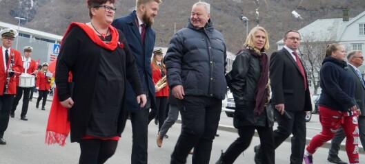Huitfelt snakka varmt om arbeidarrørsla i Årdal: – Ei ære å bli invitert