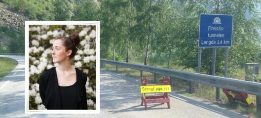 Ellen stod aleina ved Finnsåstunnelen og håpa vegen skulle opna: – Det byr på utfordringar