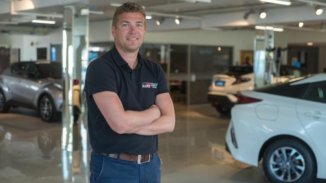 NØGD: Toyota Sogn og dagleg leiar Tor Arne Ness har grunn til å vera nøgd med fjorårets bilsal.