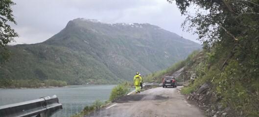 Vegen til Veitastrond er open att etter raset