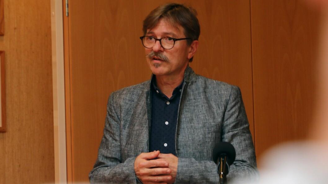 LØYSNING: Alf Olsen seier kommunen vil gjera sitt beste for Villakssenteret og kafeen.