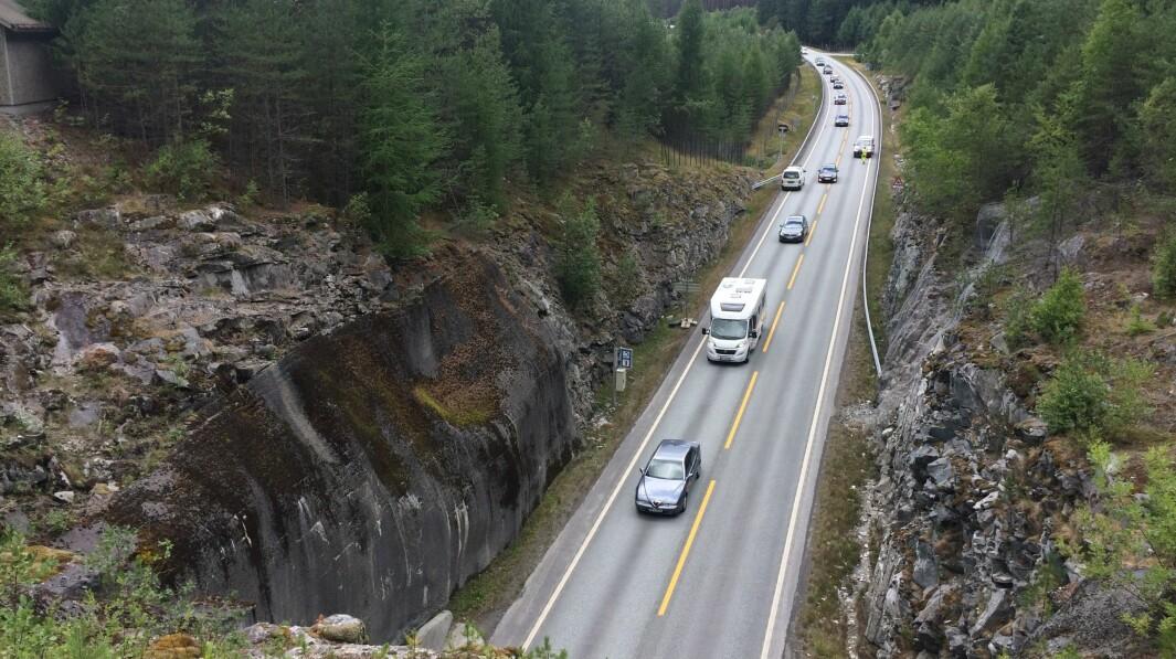 AMLATUNNELEN: Amlatunnelen mellom Kaupanger og Manheller er ein av tunnelane som skal bli oppdatert.