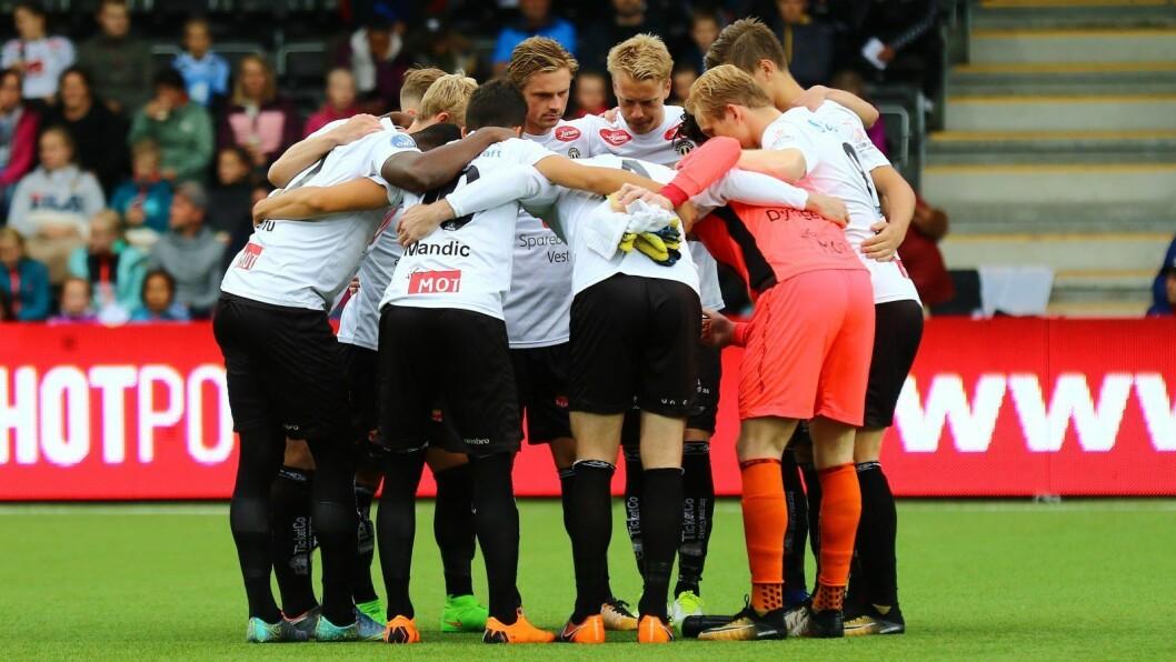 UTSKIFTINGAR: Ein ny ving er på plass, medan ein trener går ut i Sogndal Fotball