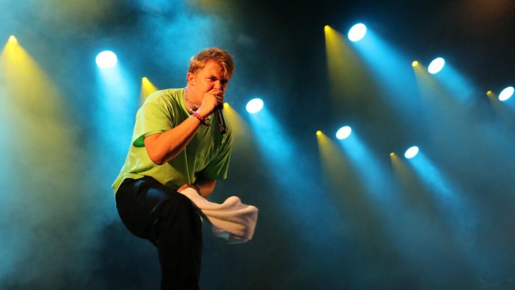 LIV: Kjartan Lauritzen er kjend for å ta den heilt ut på scena. No skal han stå på Meieriet to dagar på rad.