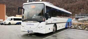 Startar opp med beltekontrollar på buss