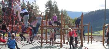 No har dei endeleg fått klatrepark på Kaupanger skule: – Me er veldig nøgde